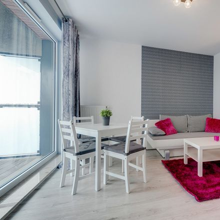 Rent this 2 bed apartment on Chmielna 71 in 80-748 Gdańsk, Polska