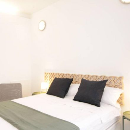Rent this 6 bed room on Carrer del Bruc in 119, 08009 Barcelona