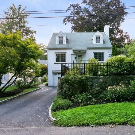 Rent this 3 bed house on Pleasant Avenue in Mount Pleasant, NY 10570