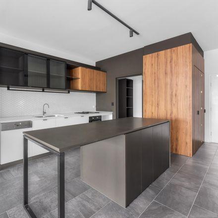Rent this 3 bed apartment on 306/9 Lapraik Street