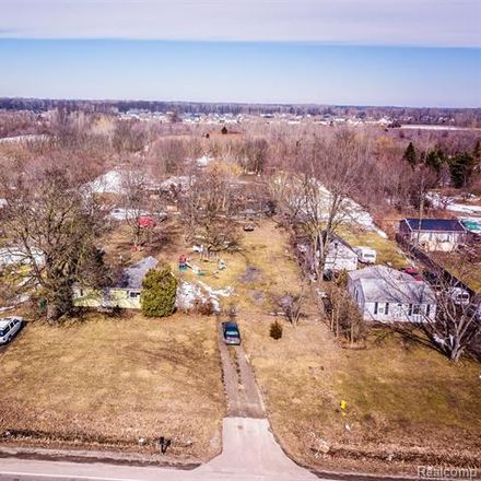 Rent this 2 bed house on Van Horn Rd in Flat Rock, MI