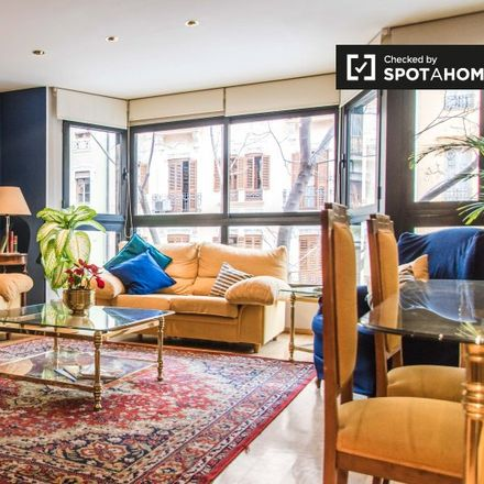 Rent this 3 bed apartment on Carrer de Joan Llorenç in 46008 Valencia, Spain