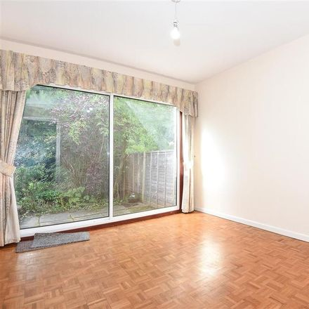 Rent this 3 bed house on Wellesley Drive in Finchampstead RG45 6AL, United Kingdom