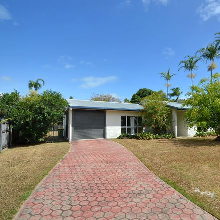 Rent this 3 bed house on Trinity Beach