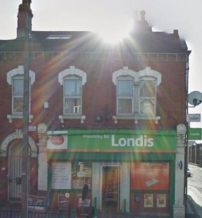 Rent this 7 bed room on Angelos Pizza in 28 Woodsley Road, Leeds LS3 1DT