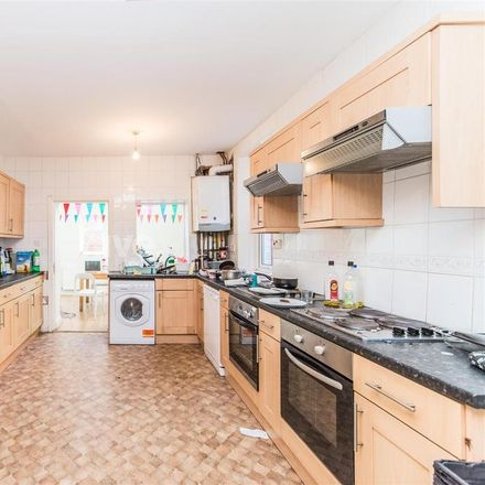 Rent this 9 bed house on Grosvenor Place in Newcastle upon Tyne NE2 2RD, United Kingdom