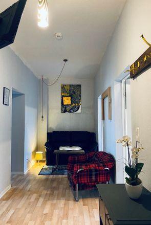 Rent this 3 bed apartment on Newroz Verein in Ricklinger Straße 24, 30449 Hanover