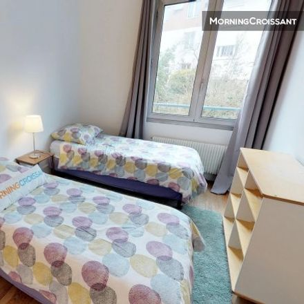 Rent this 2 bed apartment on 13 Rue Maximilien Robespierre in 92130 Issy-les-Moulineaux, France