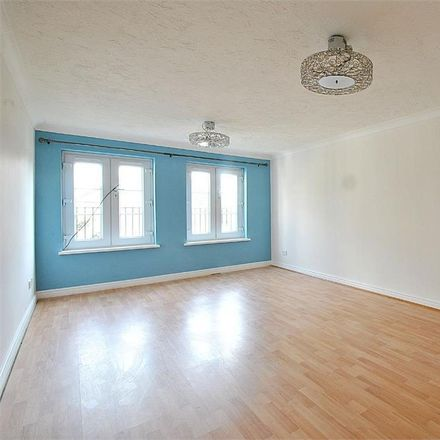 Rent this 2 bed apartment on Brent Terrace in London NW2 1BY, United Kingdom