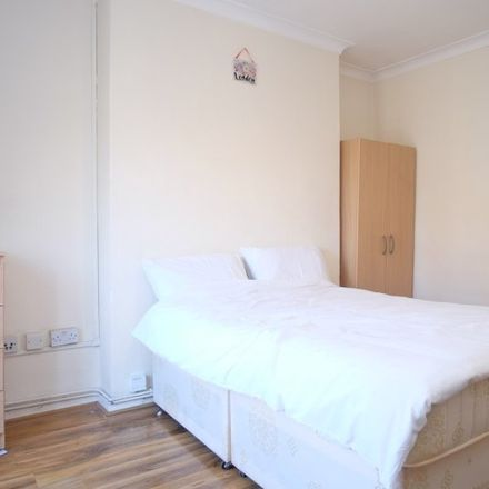 Rent this 4 bed apartment on Nuttall Street in Stringer House, 100