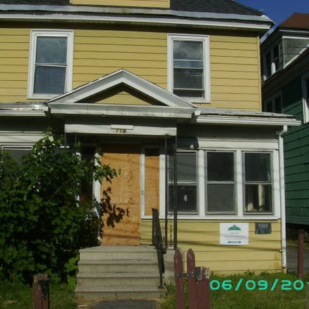 Rent this 3 bed apartment on 119 Richardson Avenue in Syracuse, NY 13205