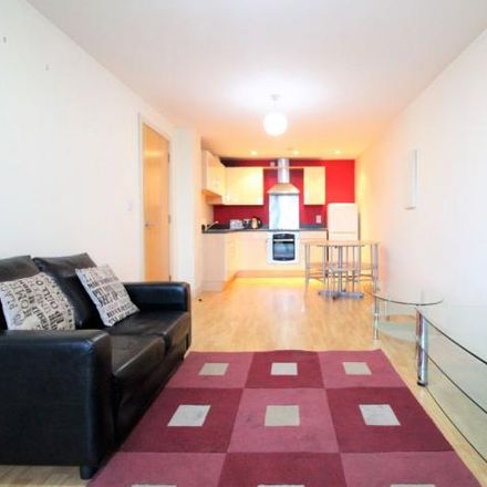 Rent this 1 bed apartment on Leeds College of Building in North Street, Leeds LS2 7QT