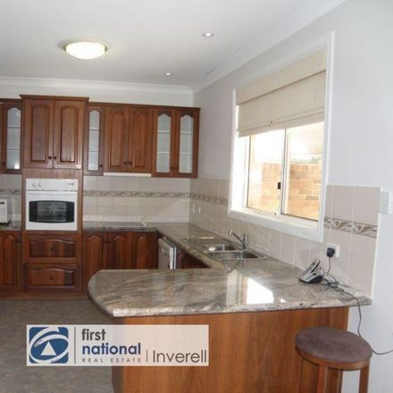Rent this 4 bed townhouse on 1A Brae Street