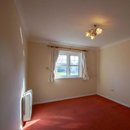 Rent this 2 bed apartment on Bewick Gardens in Chichester PO19 6FS, United Kingdom