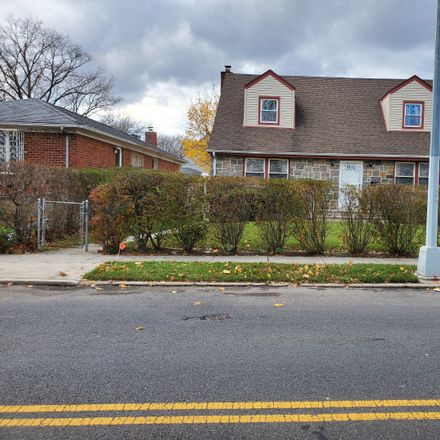 Rent this 4 bed house on Cross Island Pkwy in Cambria Heights, NY