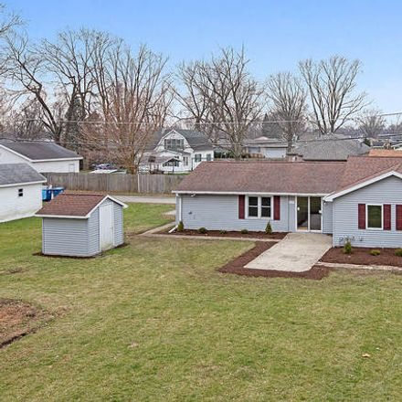Rent this 3 bed house on 277 North Monroe Avenue in Bradley, IL 60915