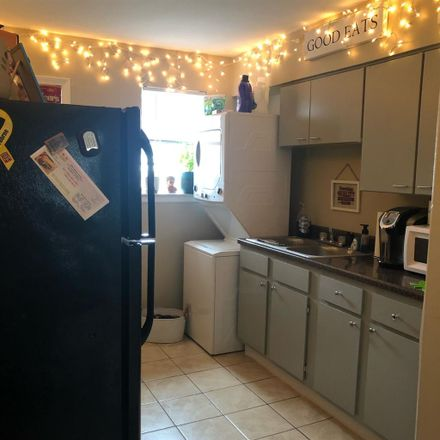 Rent this 1 bed room on 3234 Carnes Avenue in Memphis, TN 38111