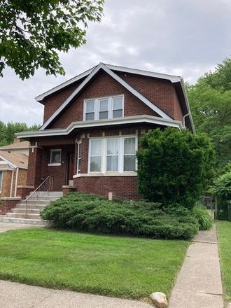 Rent this 5 bed duplex on S 50th Ct in Oak Lawn, IL