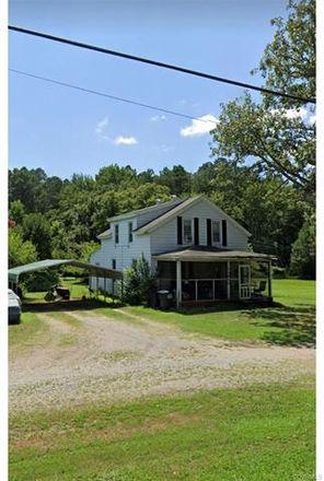Rent this 3 bed house on 10670 Greenwood Road in Glen Allen, VA 23059