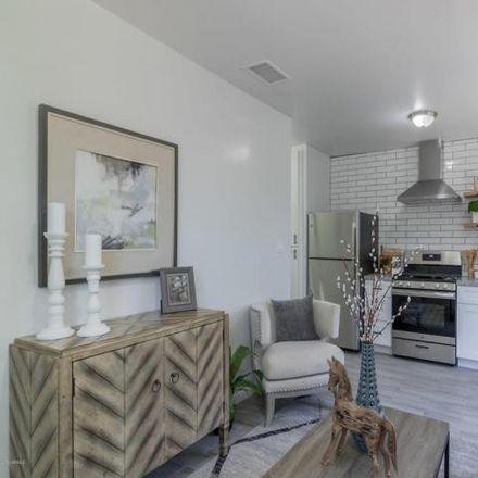 Rent this 2 bed condo on 1649 East Oak Street in Phoenix, AZ 85006