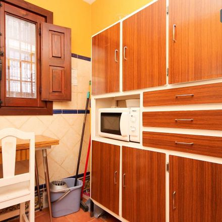 Rent this 1 bed apartment on Callejón del Conde in 18010 Granada, Spain