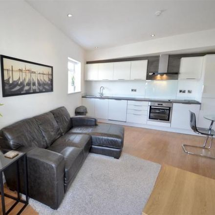 Rent this 1 bed apartment on Paul Dexter Furniture Market in 48;50 Bath Street, Nottingham NG1 1DF