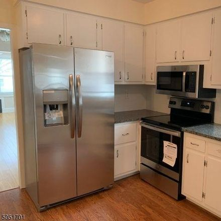 Rent this 3 bed condo on 85 Church Street in Raritan, NJ 08869