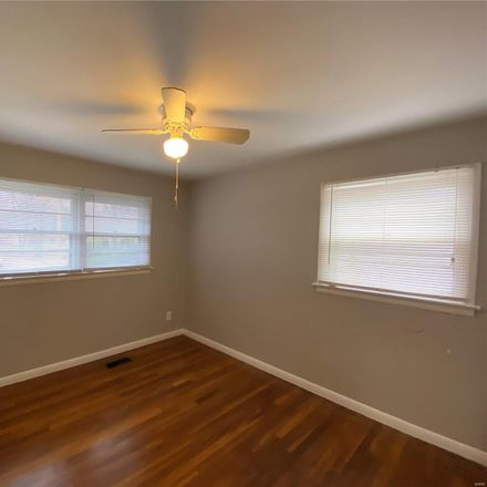 Rent this 3 bed house on Renshaw Dr in Saint Louis, MO