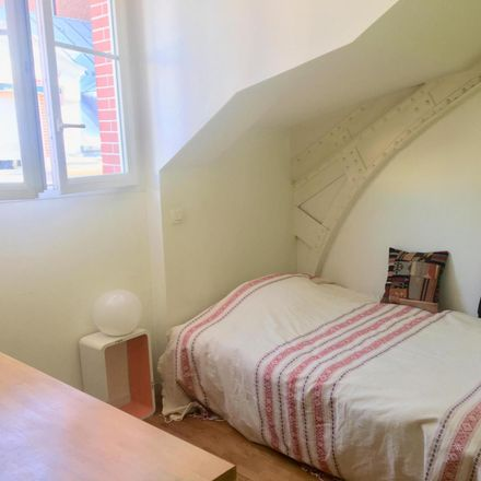 Rent this 1 bed room on 4 Villa Marcel Lods in 75019 Paris, France