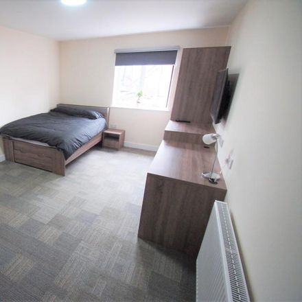 Rent this 0 bed apartment on Clay Lane Health Centre in Ball Hill district centre, 5 Clay Lane