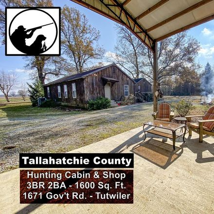 Rent this 3 bed house on Government Rd in Tutwiler, MS