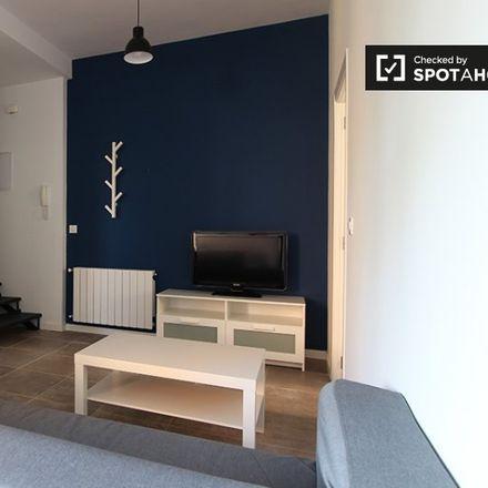 Rent this 3 bed apartment on Calle de Tembleque in 28001 Madrid, Spain
