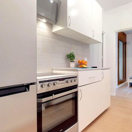 Rent this 6 bed room on Krochmalna 32 in 00-864 Warsaw, Poland