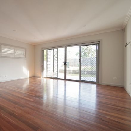 Rent this 4 bed apartment on 93 Marshall Road