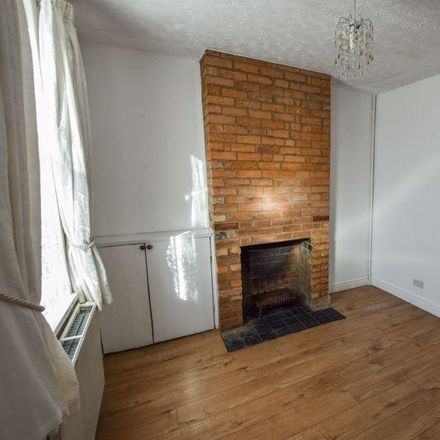 Rent this 3 bed house on 44 Stanley Street in Bedford MK41 7RU, United Kingdom