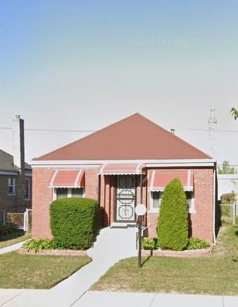 Rent this 3 bed house on South Green Street in Chicago, IL 60643