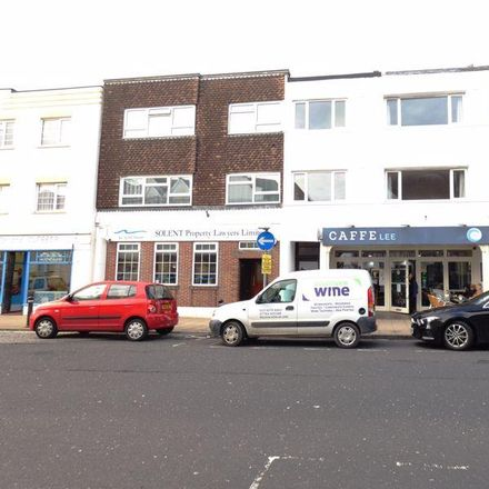Rent this 3 bed apartment on Blings Tasty Grill in 23 Pier Street, Lee-on-the-Solent PO13 9LD