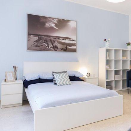 Rent this 3 bed room on Via Tito Vignoli in 20146 Milan Milan, Italy