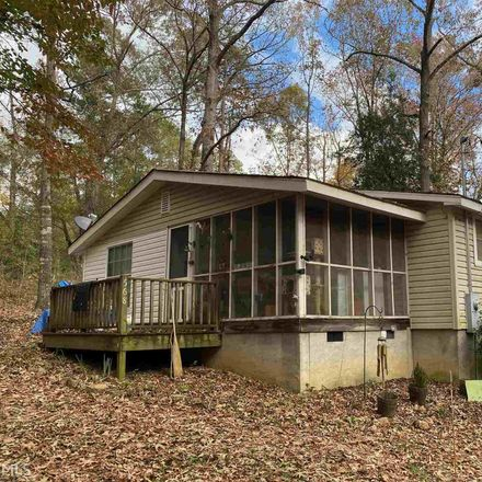 Rent this 3 bed house on Lakeshore Cir in Hartwell, GA