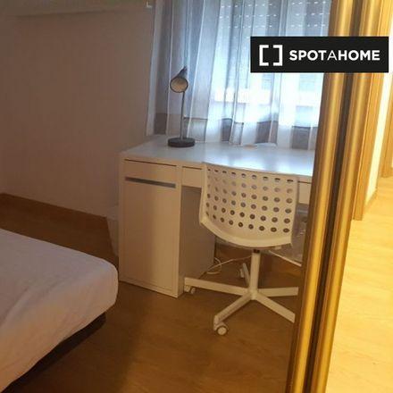 Rent this 3 bed room on Calle de las Camelias in 6, 28903 Getafe