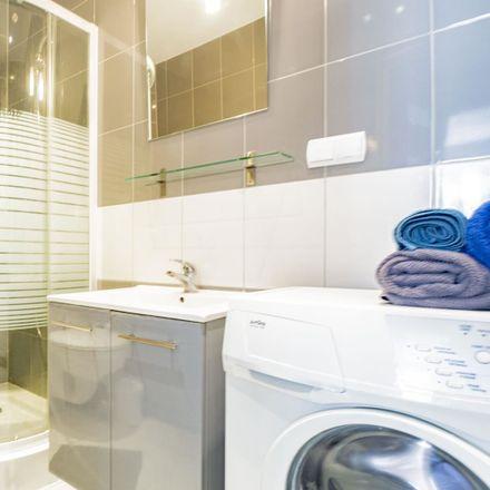Rent this 3 bed apartment on Rynek in Wrocław, Polska