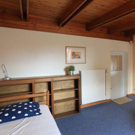 Rent this 3 bed apartment on Venelle au Bois - Woudsteeg in 1150 Woluwe-Saint-Pierre - Sint-Pieters-Woluwe, Belgium