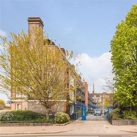 Rent this 2 bed apartment on Kennistoun House in Dunne Mews, London NW5 2QH