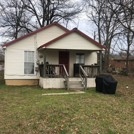 Rent this 3 bed house on Thompson St in Pocahontas, AR