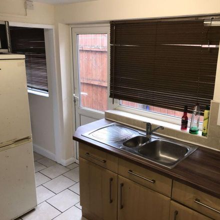 Rent this 3 bed room on Bethnal Green in Hull HU6 7LE, United Kingdom