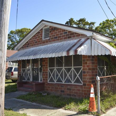 Rent this 3 bed house on Dr Martin Luther King Jr Dr in Pensacola, FL