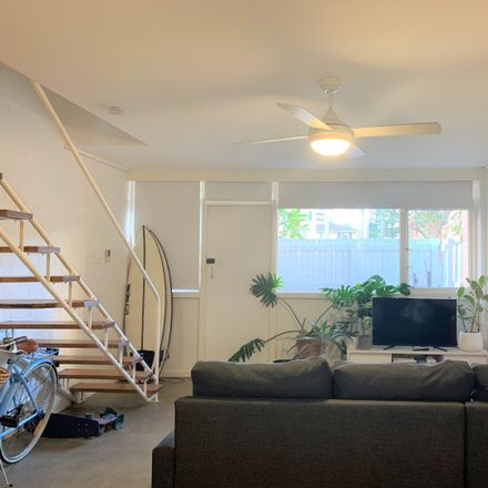 Rent this 2 bed townhouse on 7/15 George Avenue