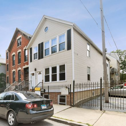 Rent this 2 bed condo on 1371 West Crystal Street in Chicago, IL 60622