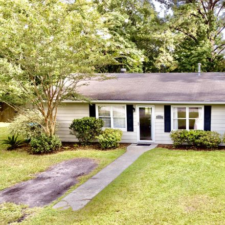 Rent this 4 bed house on 2405 Langhorne Drive in Beaufort, SC 29902