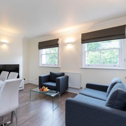 Rent this 3 bed apartment on 44-50 New Oxford Street in London WC1A 1BL, United Kingdom